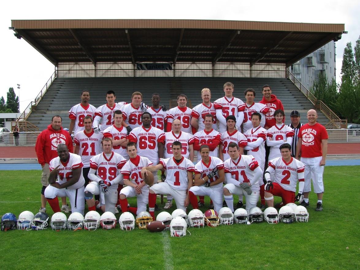 Photo d'équipe d'une section des Diables Rouges de Villepinte